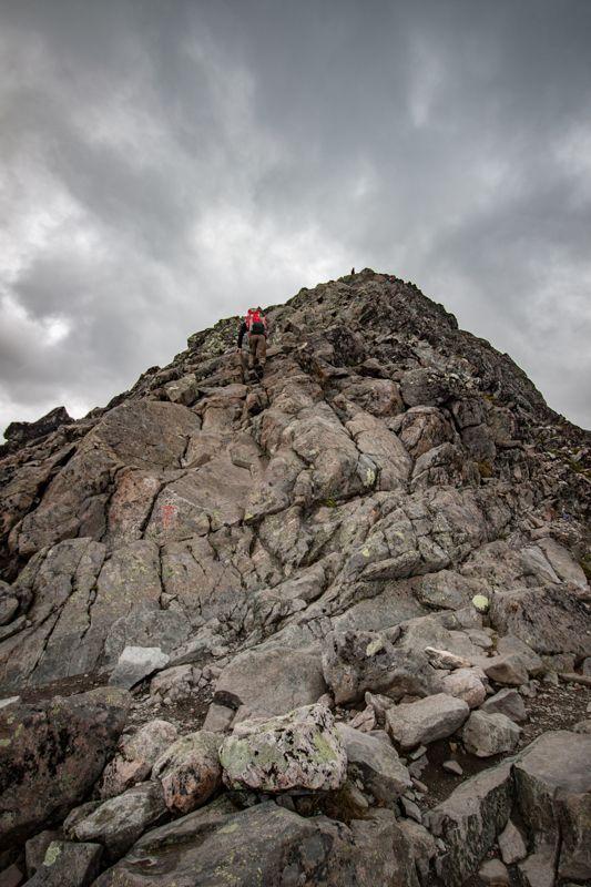 Hiking sur la crête de Besseggen en Norvège