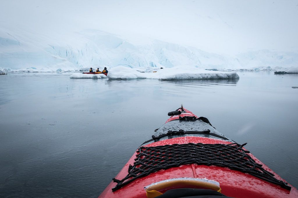 Faire du kayak en Antarctique